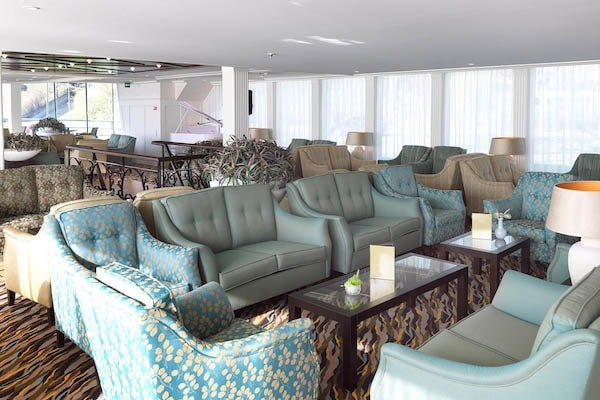 AmaWaterways - AmaLyra Lounge