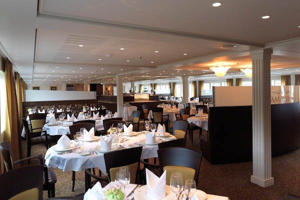 AmaWaterways - AmaLyra Restaurant