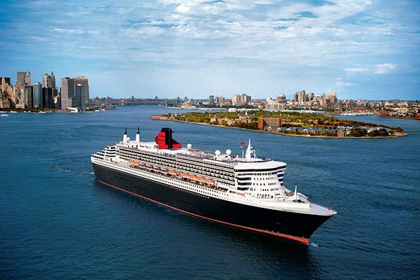 Cunard Cruise Line - Queen Mary 2 Departing New York