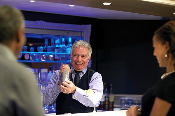 Holland America - Mixology Gallery Bar